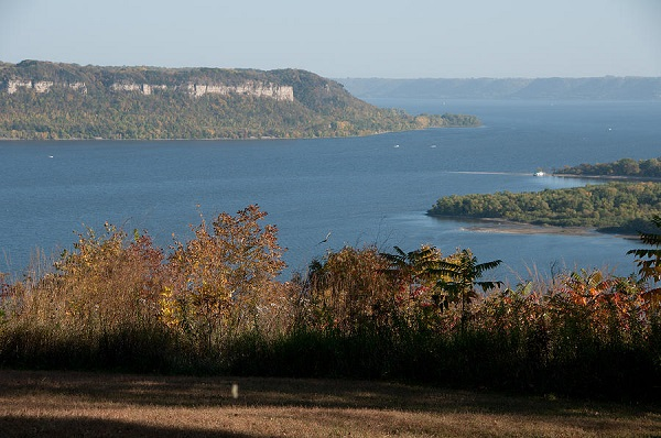 lake-pepin-overlook-minnesota.jpg