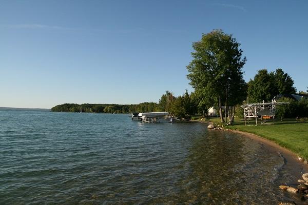 lakefront-living-realty-lake-22.jpg